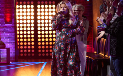 You're Gonna Hear Kelly Clarkson 'Roar' With This Katy Perry Cover